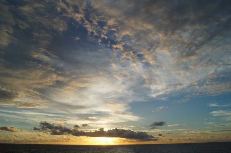 ピースボート78回クルーズ 80日目:イースター島からタヒチへ