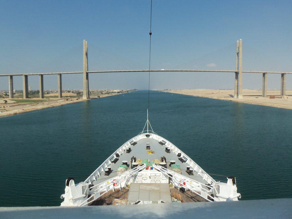 ピースボート71回クルーズ26日目:スエズ運河航行とエジプト上陸