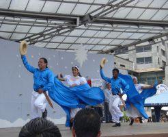 現地のダンス
