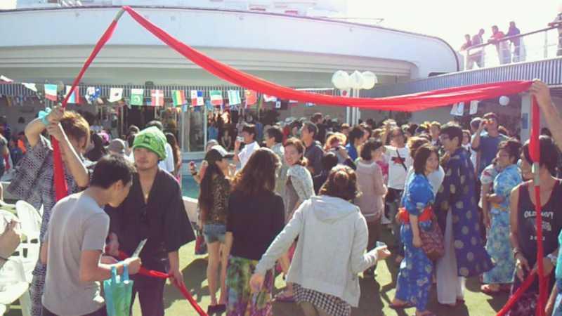 ピースボート71回クルーズ57日目:赤道夏祭り