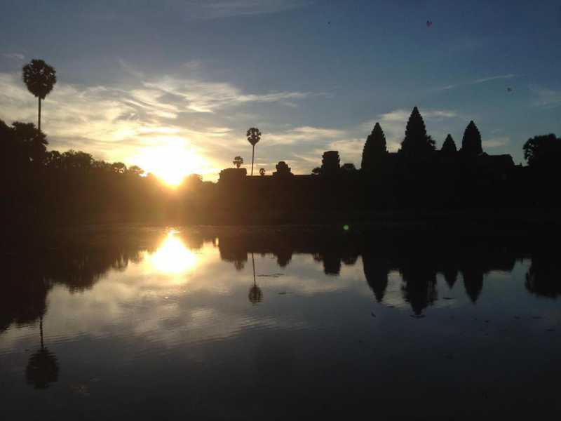 東南アジア周遊の2ヶ国目カンボジアのアンコールワットと猫ひろしとトレンサップ湖